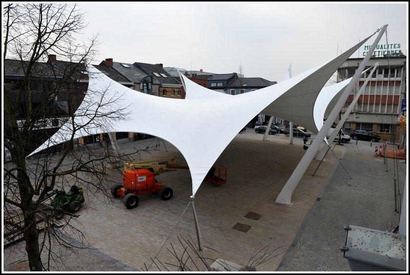 La tente blanche